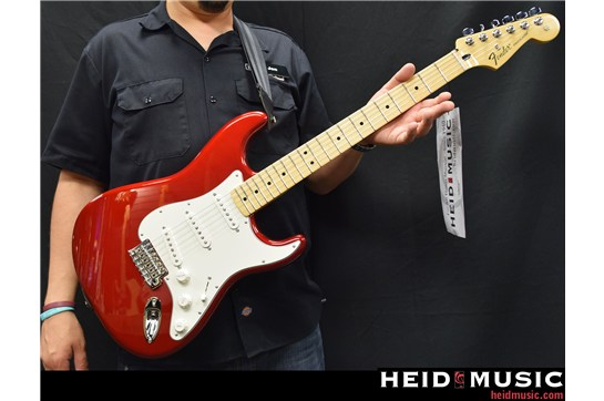 Fender Standard Stratocaster (Candy Apple Red)
