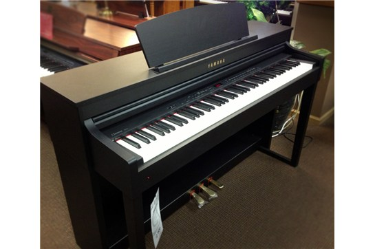 used yamaha clp 440 clavinova digital piano black walnut. Black Bedroom Furniture Sets. Home Design Ideas