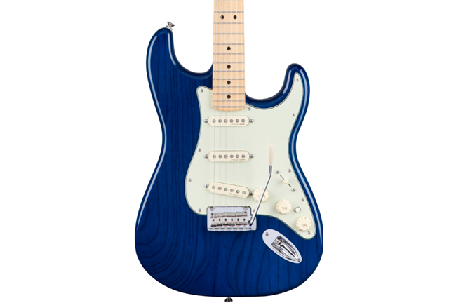 Fender Deluxe Stratocaster (Sapphire Blue Transparent)
