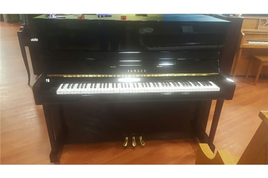USED Yamaha B3 Upright Piano