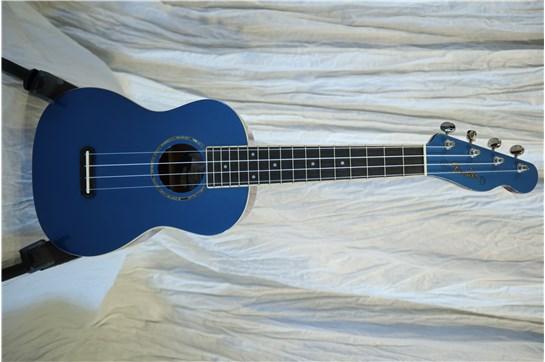 Used Fender Zuma Lake Placid Blue Concert Uke