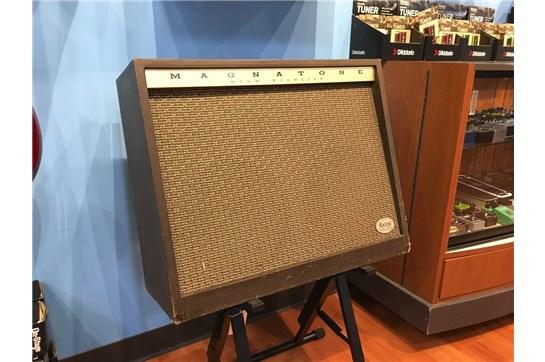 Vintage 1962 Magnatone 460 Amp