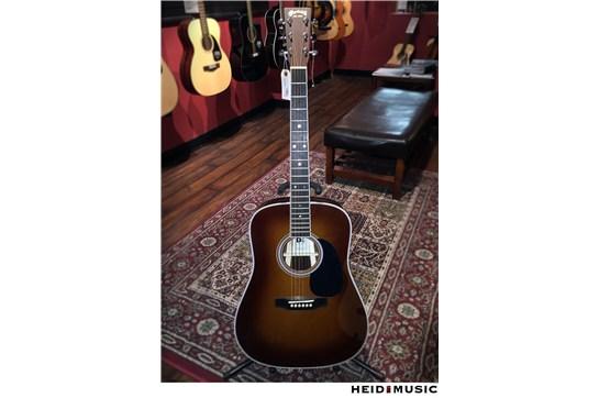 Martin D-35 Acoustic Guitar (Ambertone)