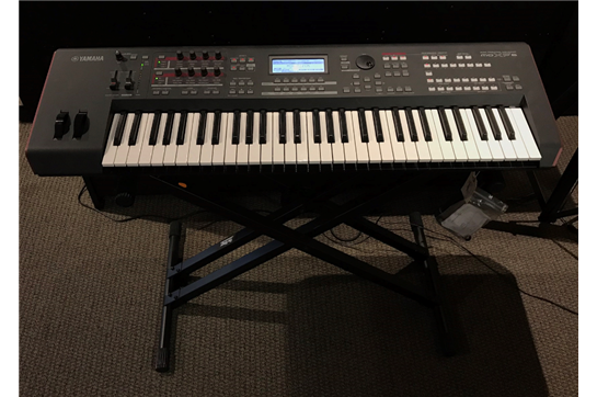 Used Yamaha MOXF6 61 Key Synthesizer