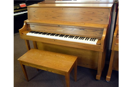 Used Yamaha P22 Upright Piano - Oak