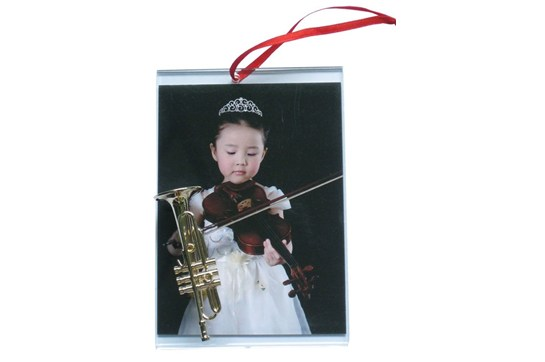 Picture Frame Ornament With Trumpet
