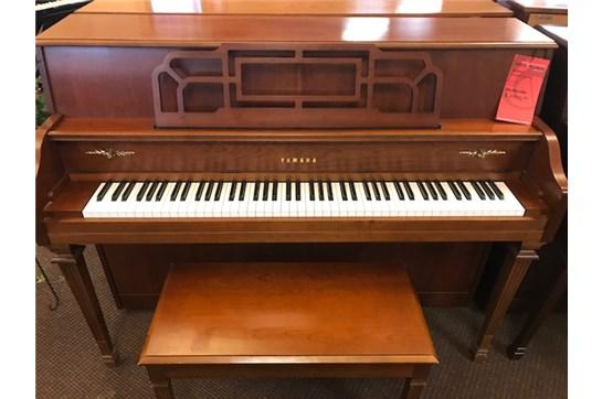 Used Yamaha M500H Piano