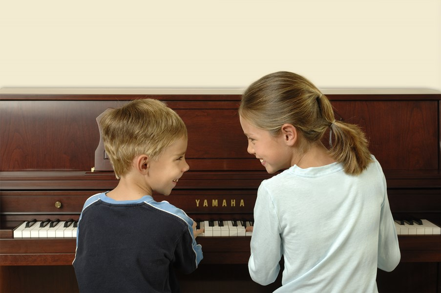 M460C_Children_Playing_Smiling