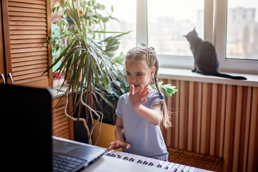 Little Girl Plays Keyboard Virtual Learning